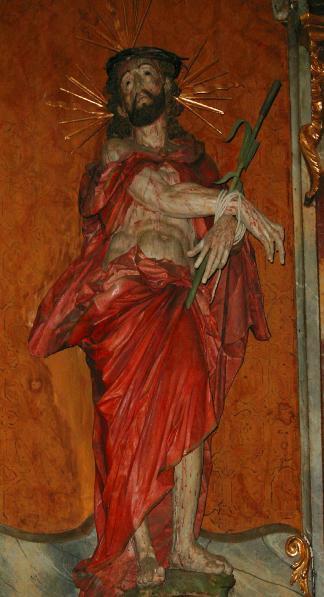 Ecce-Homo: die lebensgroße Figur befindet sich seit 1728 über dem Altar.
