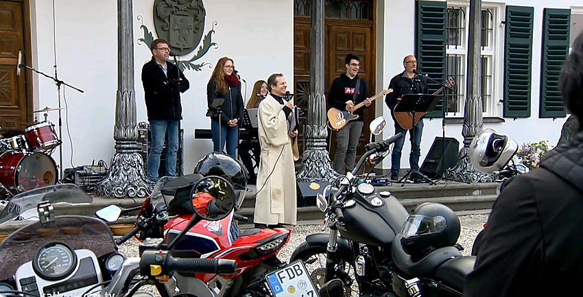 Boxbild Motorradgottesdienst