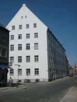 Blick von der Klinkertorstraße aus auf das Bürogebäude