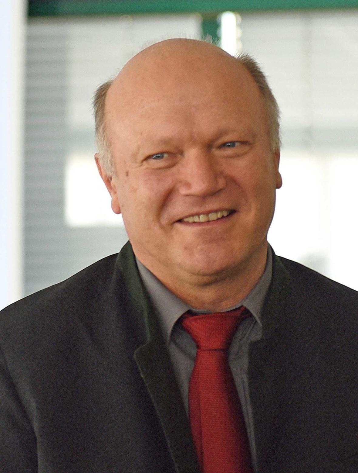Diakon Franz Schütz, Leiter der Telefonseelsorge. (Foto: Daniel Jäckel / pba)