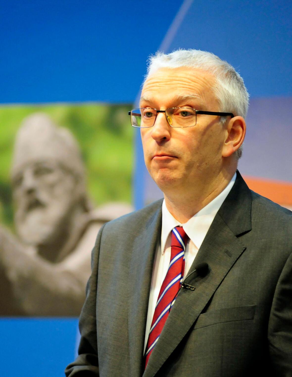 """Dr. Walter Zahner, Gesamtkurator für das """"Kunstprojekt zum Konzilsjubiläum 2015""""."""