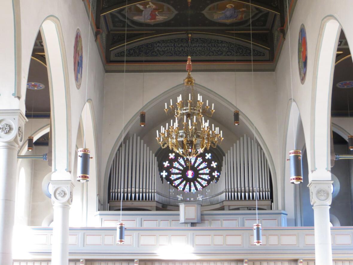 Empore mit Orgel 2013
