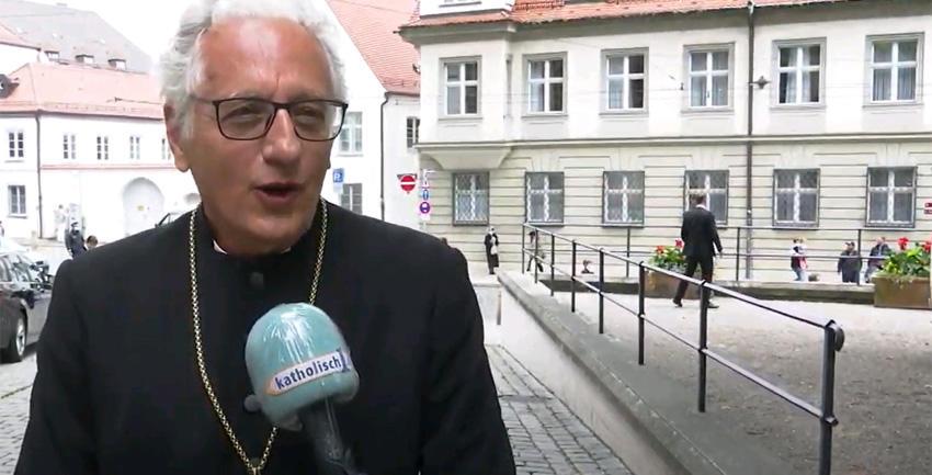 Glückwünsche zur Bischofsweihe (katholisch1.tv)