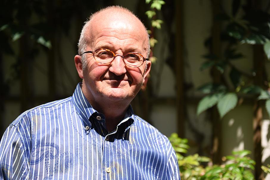 Schmid-Experte: Herbert Brugger, ehemaliger Präfekt der Domsingknaben. (Foto: Simone Zwikirsch / pba)