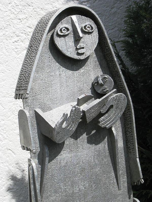 Marienfigur, Metallarbeit im Garten der Comboni-Missionare, Mellatz