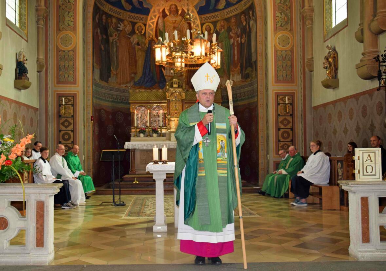 Weihbischof Wörner ermutigte die Gottesdienstbesucher zu einer lebendigen Christusbeziehung. (Foto: Verspohl-Nitsche)