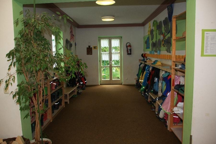 Oberschöneberg Garderobe