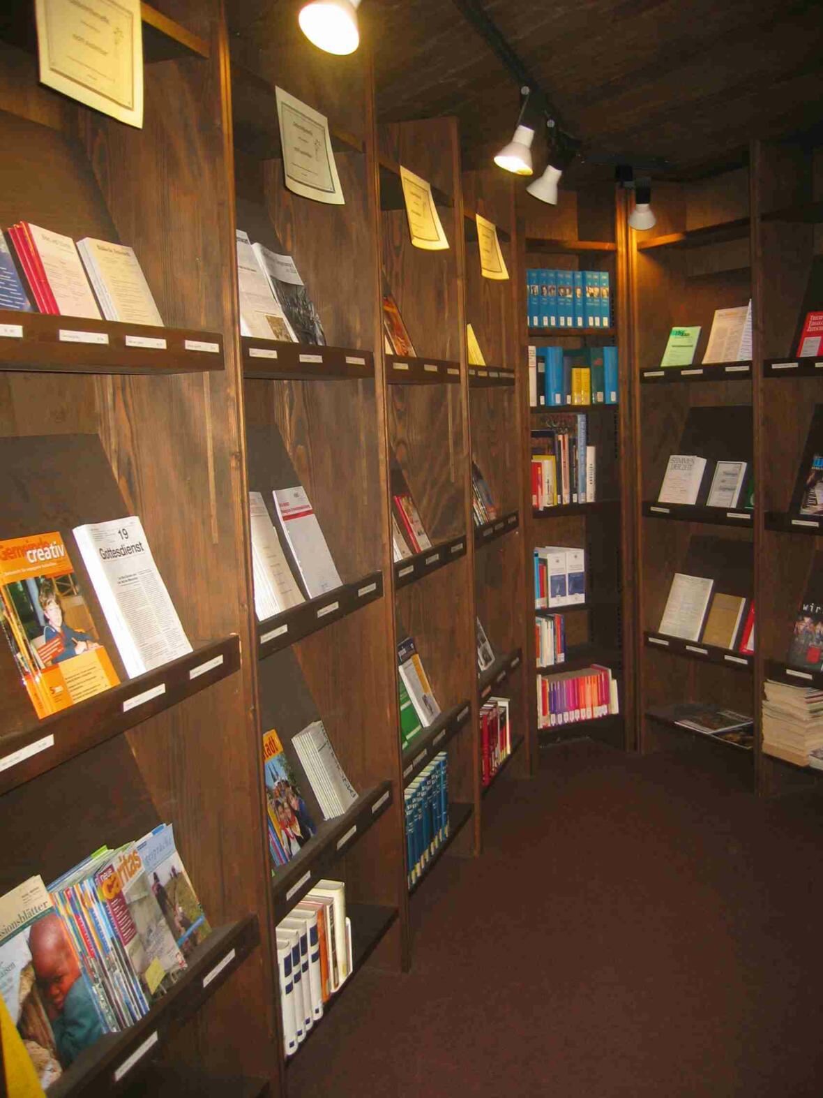Zeitschriftenauslage Pastoralbibliothek