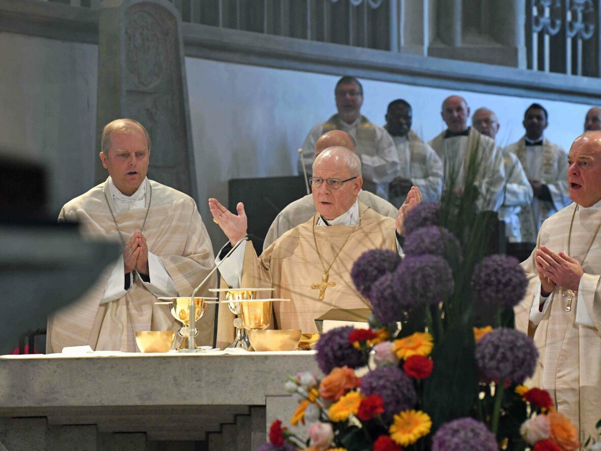 Dankgottesdienst 75. Geburtstag Bischof Dr. Konrad Zdarsa (Foto Nicolas Schnall_pba) 10