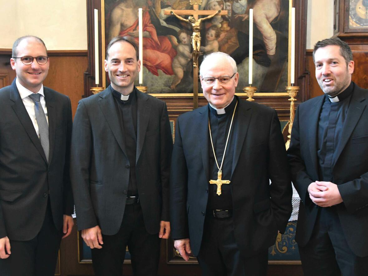 Dankgottesdienst 75. Geburtstag Bischof Dr. Konrad Zdarsa (Foto Nicolas Schnall_pba) 17