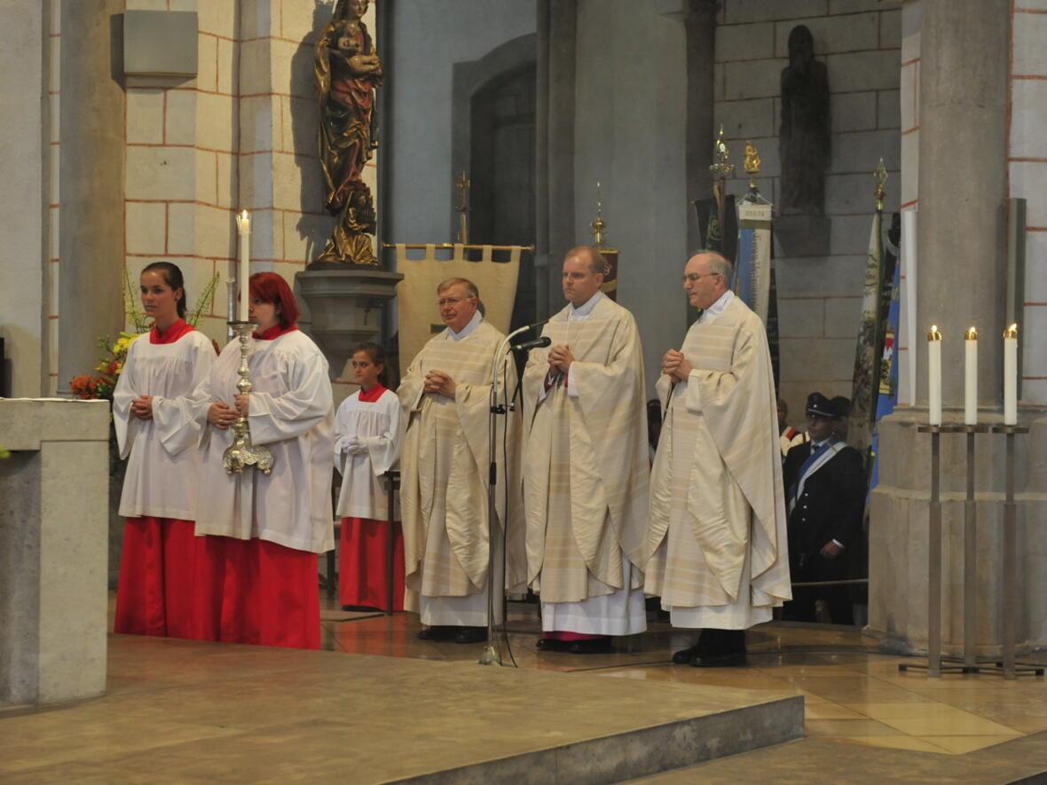 Bischofsweihe_20120728_07-37-24