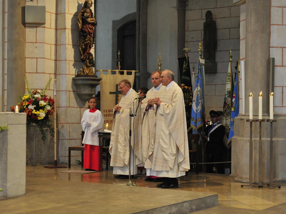 Bischofsweihe_20120728_07-39-11