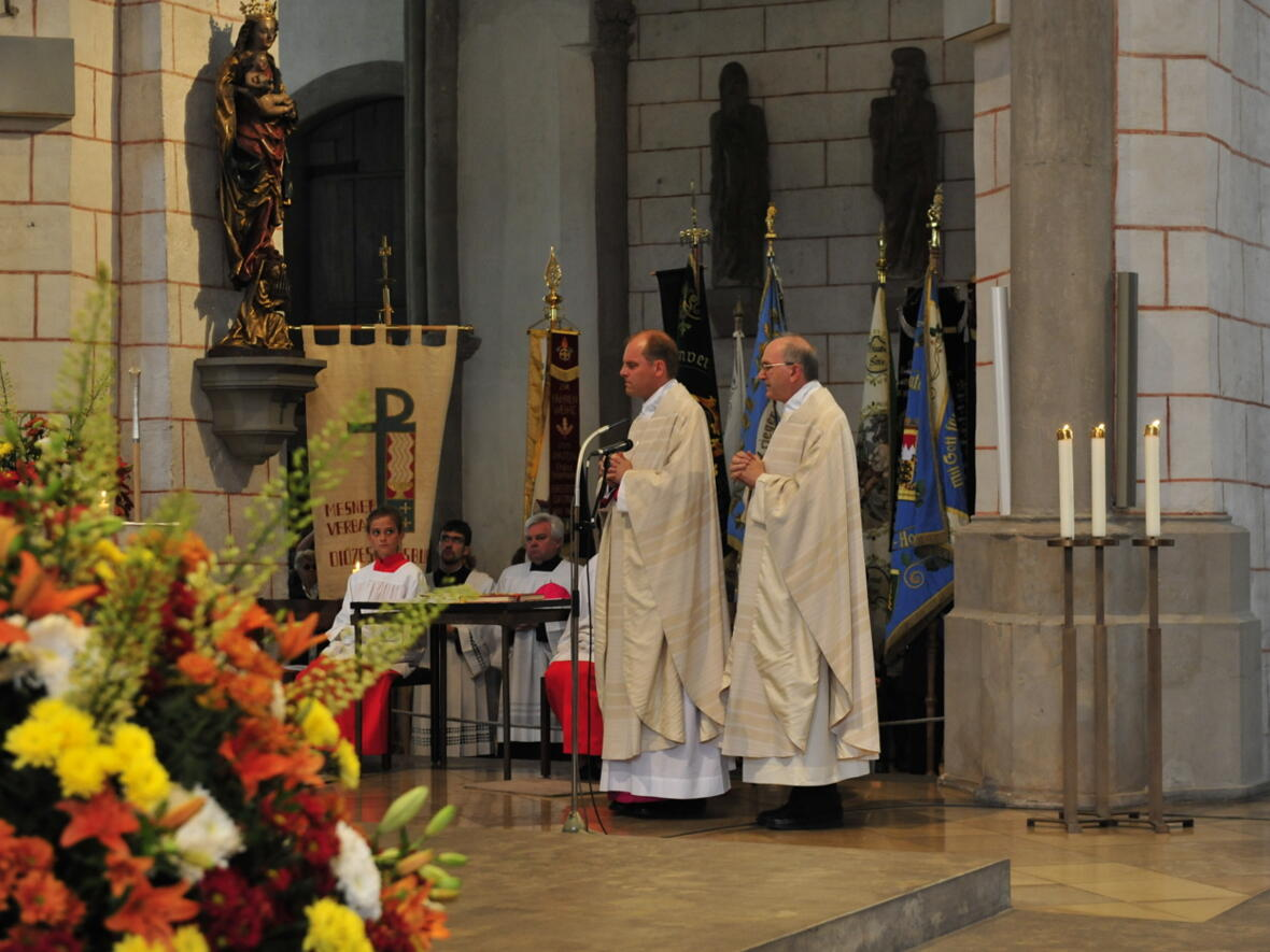 Bischofsweihe_20120728_07-40-30