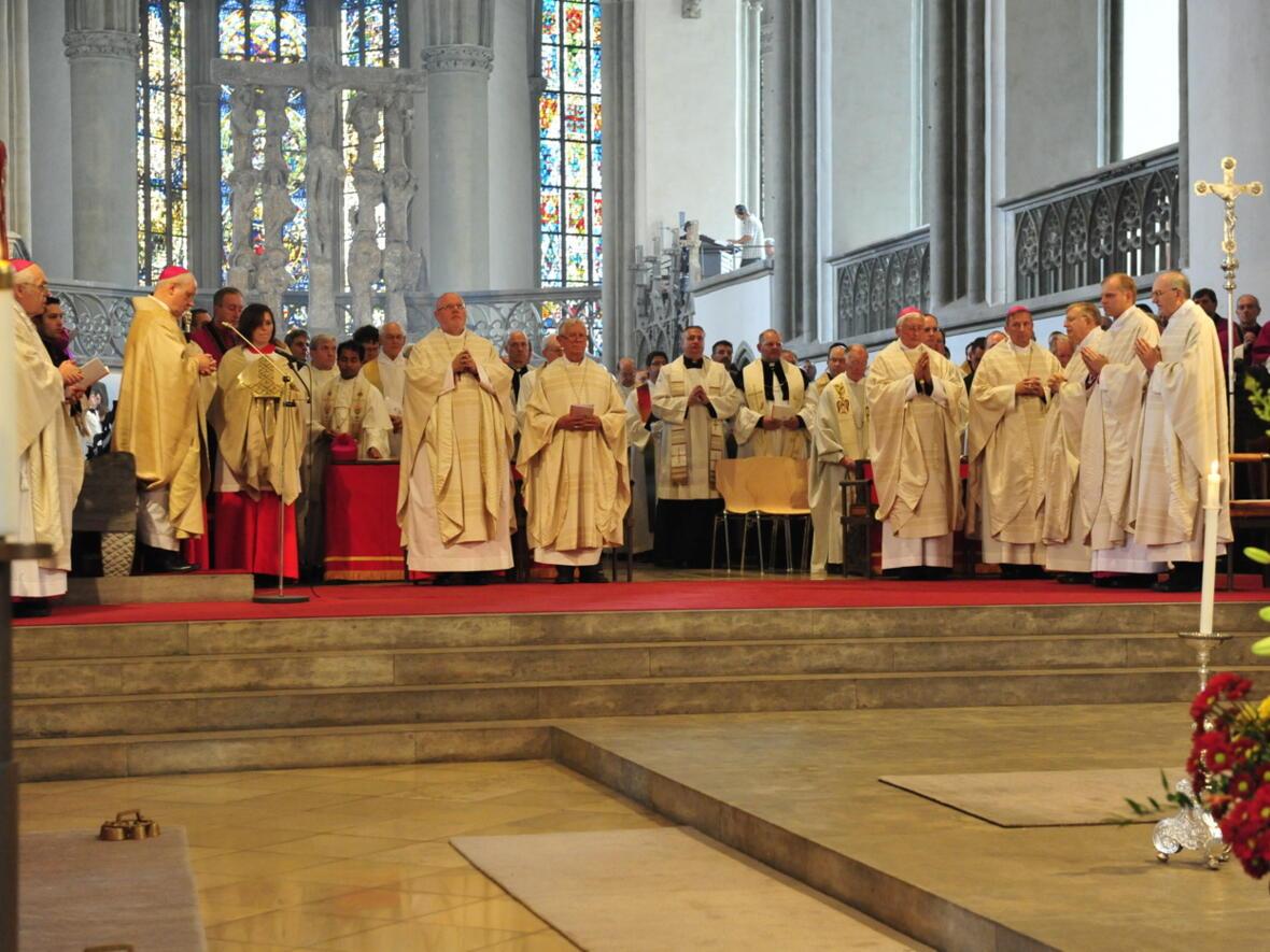 Bischofsweihe_20120728_07-44-54