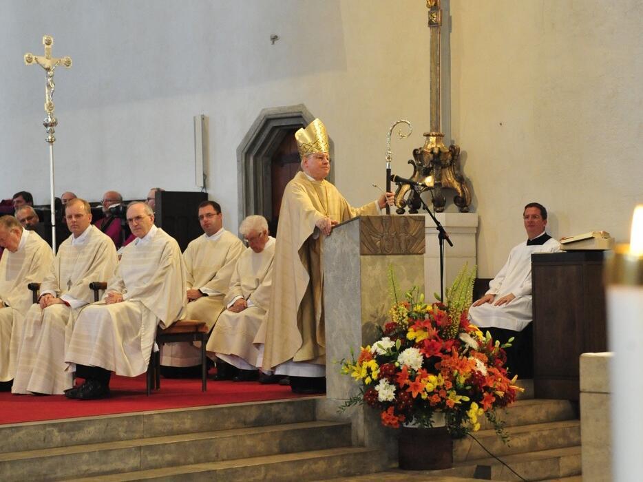 Bischofsweihe_20120728_08-00-32