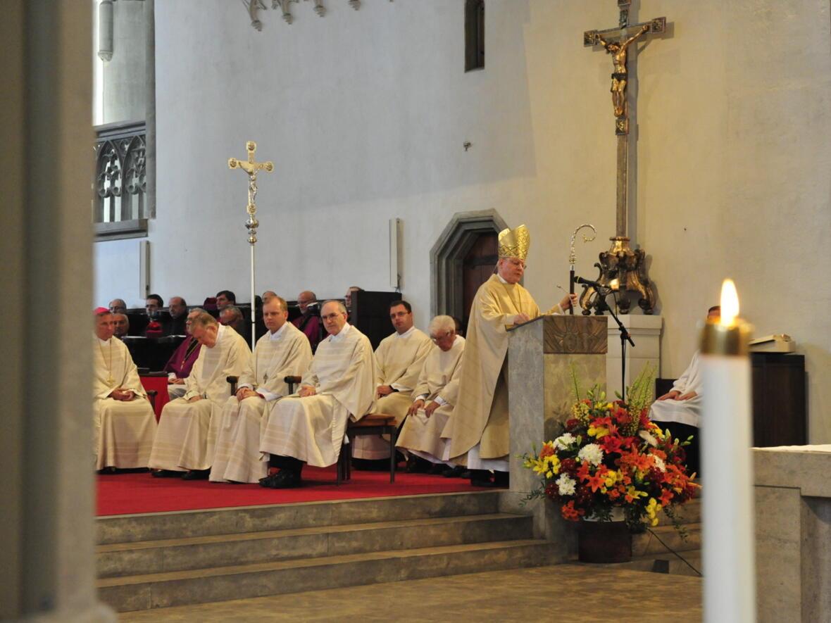 Bischofsweihe_20120728_08-01-28