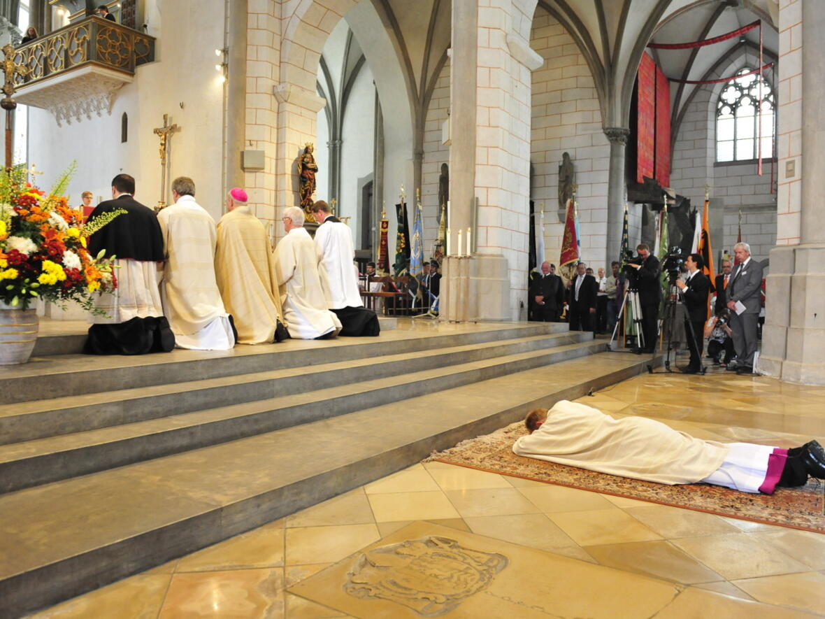Bischofsweihe_20120728_08-21-00