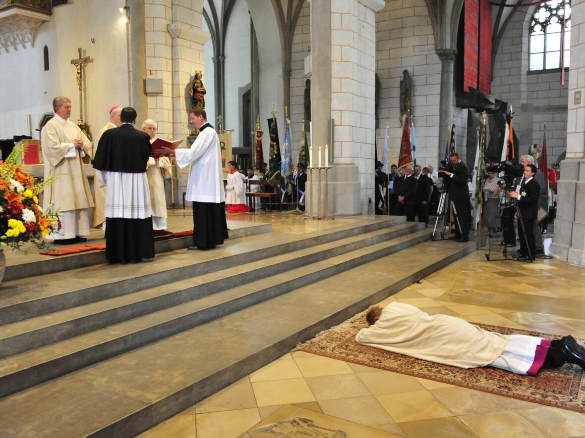 Bischofsweihe_20120728_08-29-23