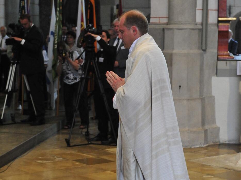 Bischofsweihe_20120728_08-29-45