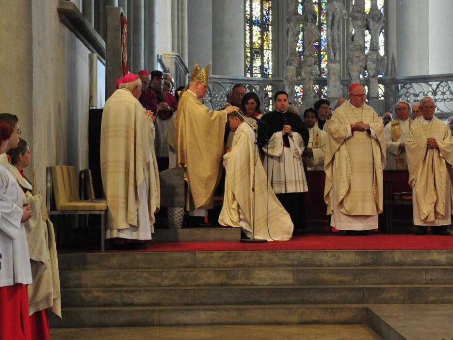 Bischofsweihe_20120728_08-30-22