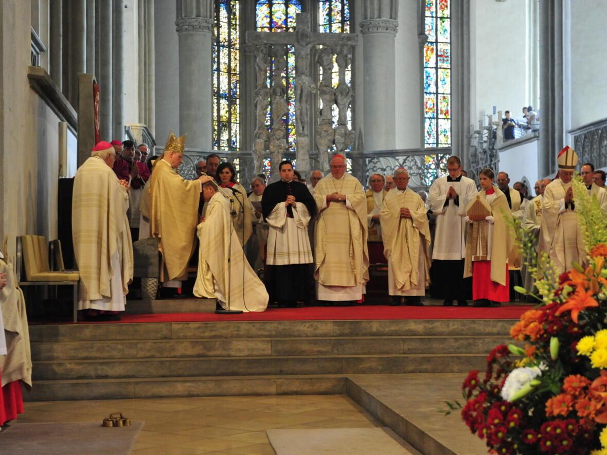 Bischofsweihe_20120728_08-30-31