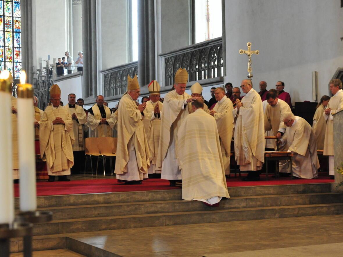 Bischofsweihe_20120728_08-30-59