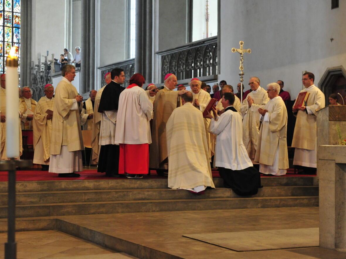 Bischofsweihe_20120728_08-37-38