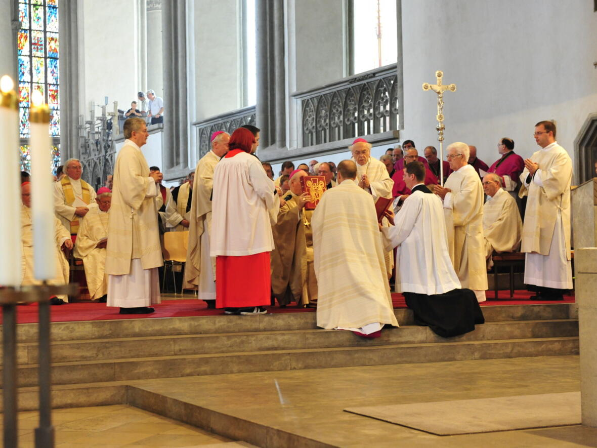Bischofsweihe_20120728_08-38-10
