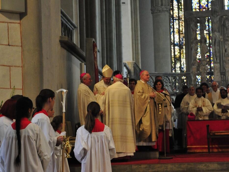 Bischofsweihe_20120728_08-41-09