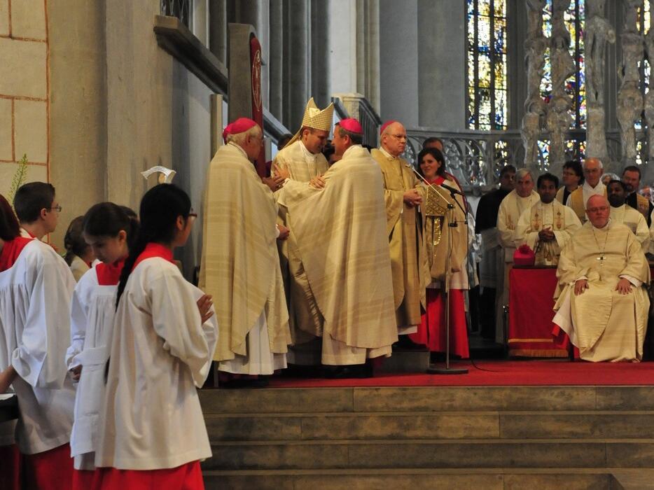 Bischofsweihe_20120728_08-41-42