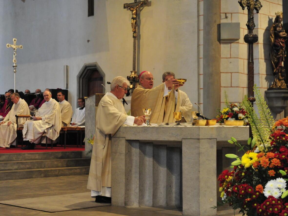 Bischofsweihe_20120728_08-46-37
