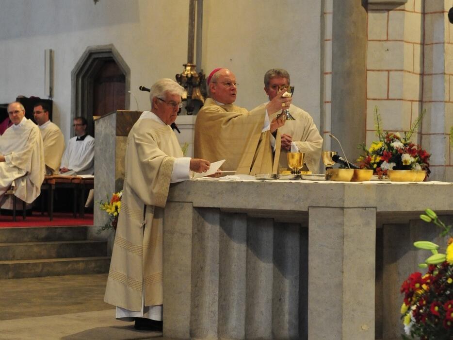 Bischofsweihe_20120728_08-46-56