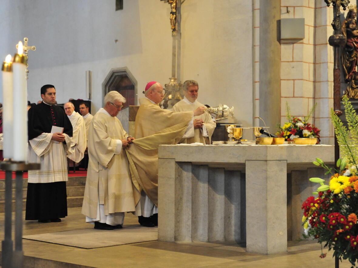 Bischofsweihe_20120728_08-47-54