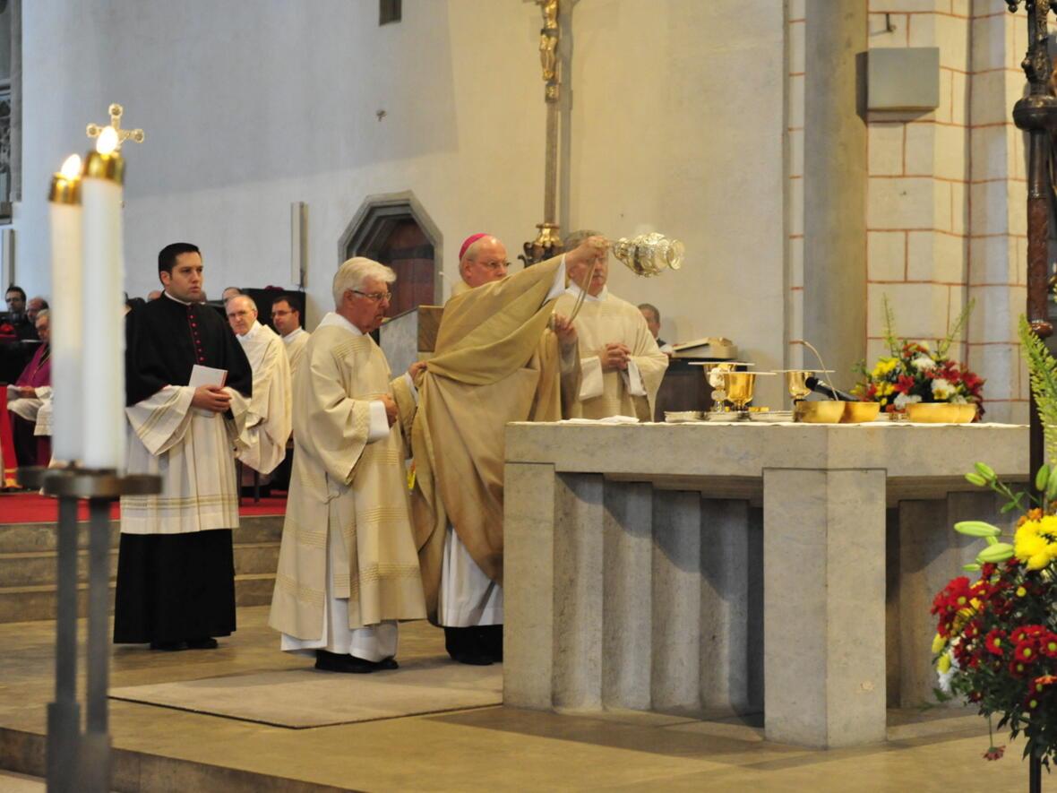 Bischofsweihe_20120728_08-47-58
