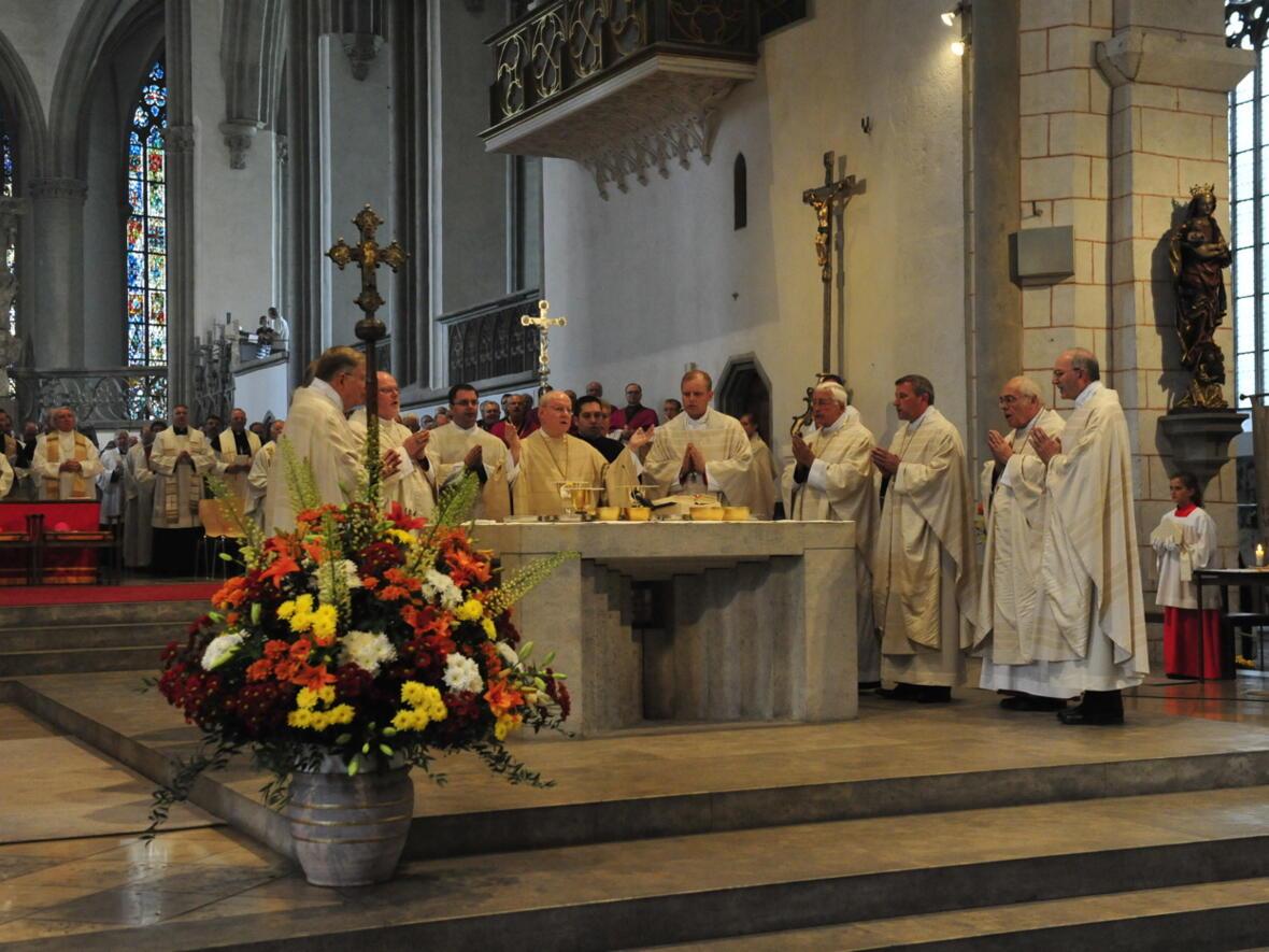 Bischofsweihe_20120728_08-52-01