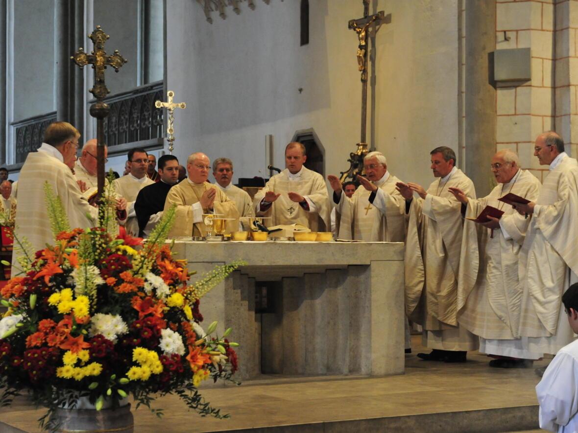 Bischofsweihe_20120728_08-57-03