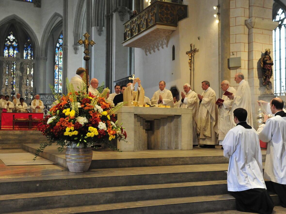Bischofsweihe_20120728_08-57-28