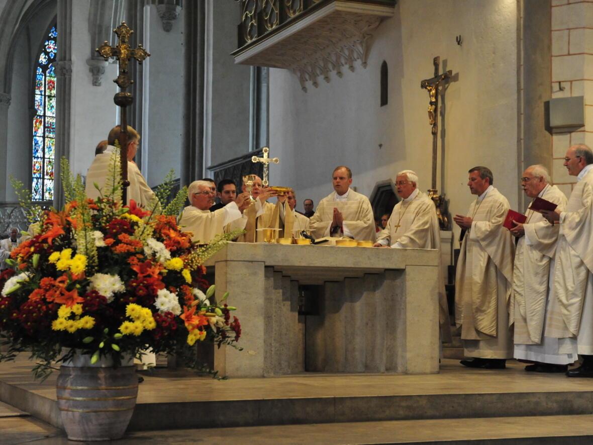 Bischofsweihe_20120728_09-01-29
