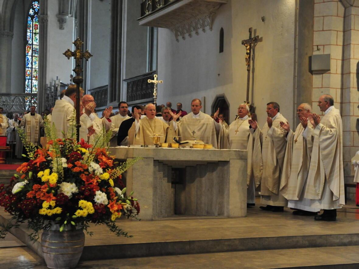 Bischofsweihe_20120728_09-02-09