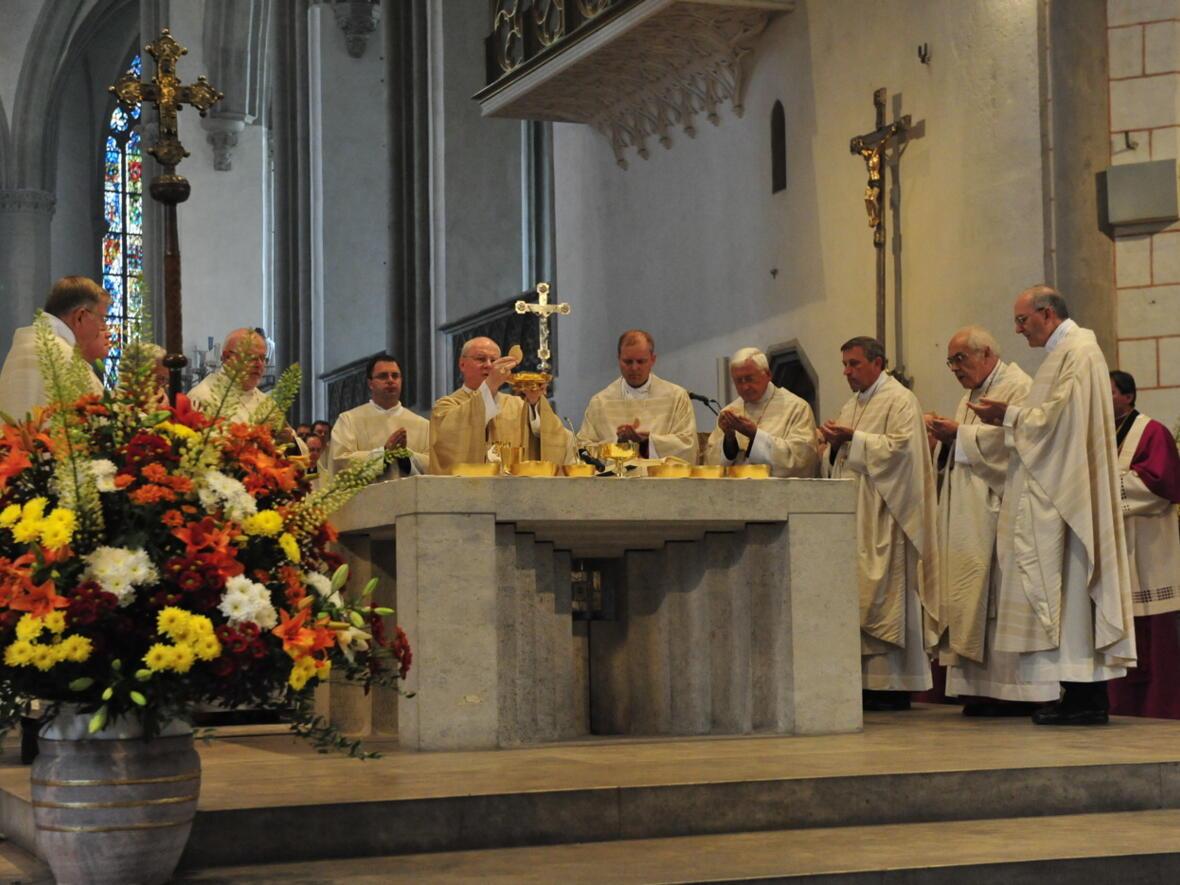 Bischofsweihe_20120728_09-06-55