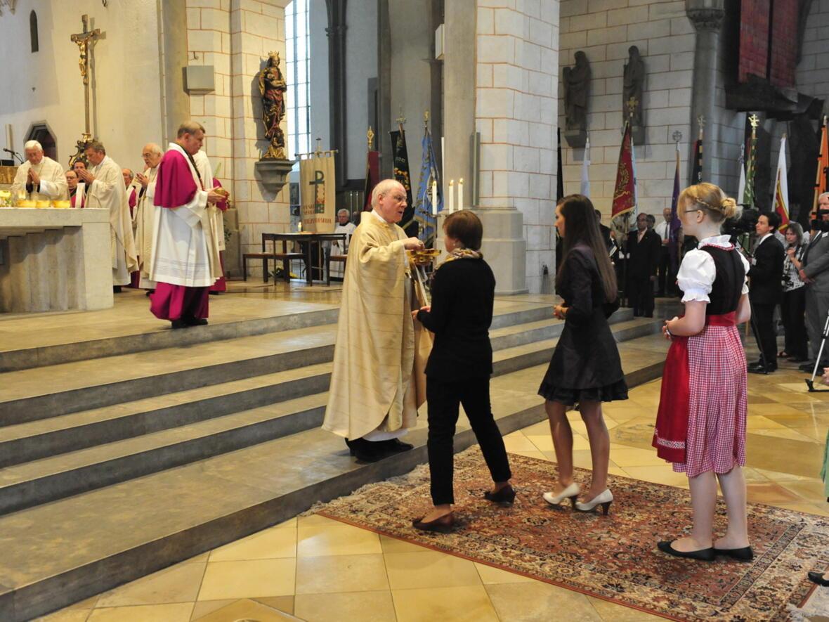 Bischofsweihe_20120728_09-09-14
