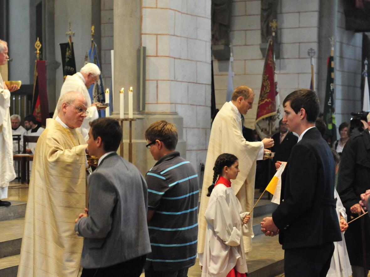 Bischofsweihe_20120728_09-09-42