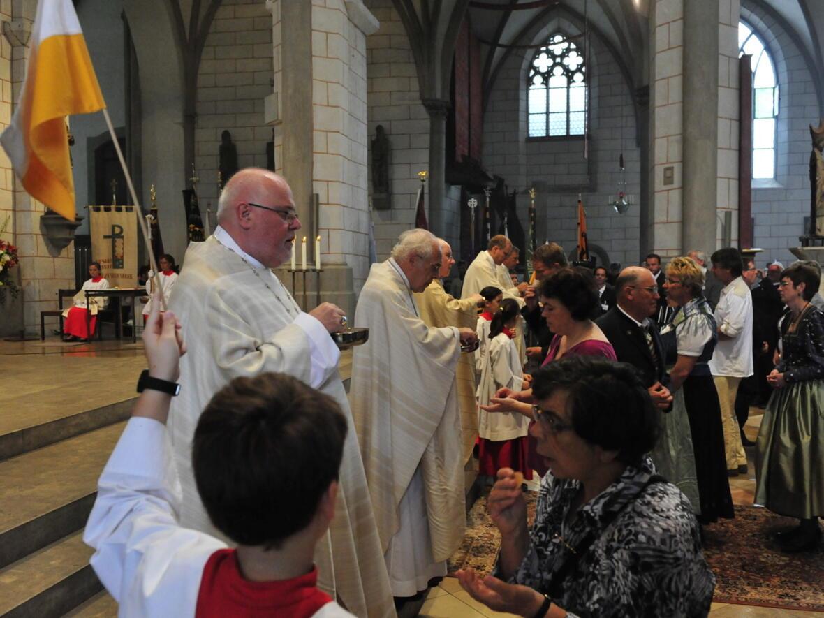 Bischofsweihe_20120728_09-11-26
