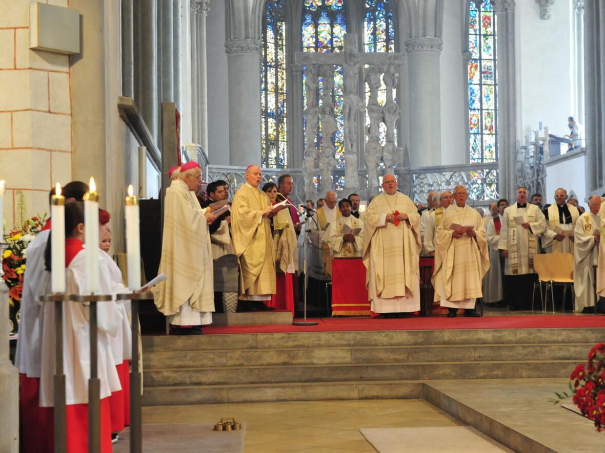 Bischofsweihe_20120728_09-17-58