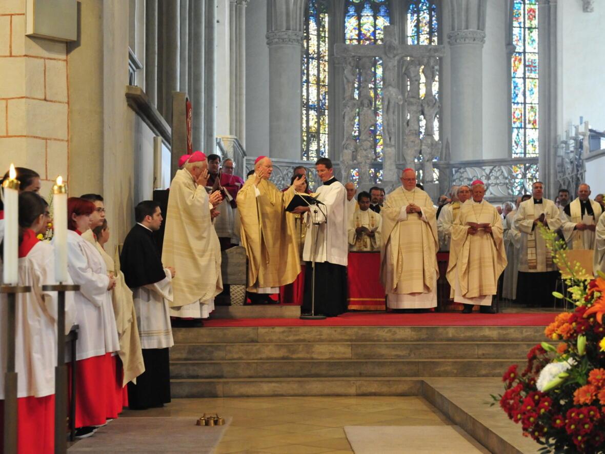 Bischofsweihe_20120728_09-20-56