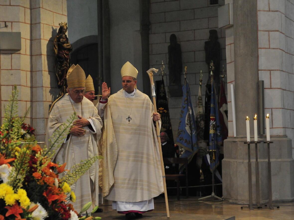 Bischofsweihe_20120728_09-22-11
