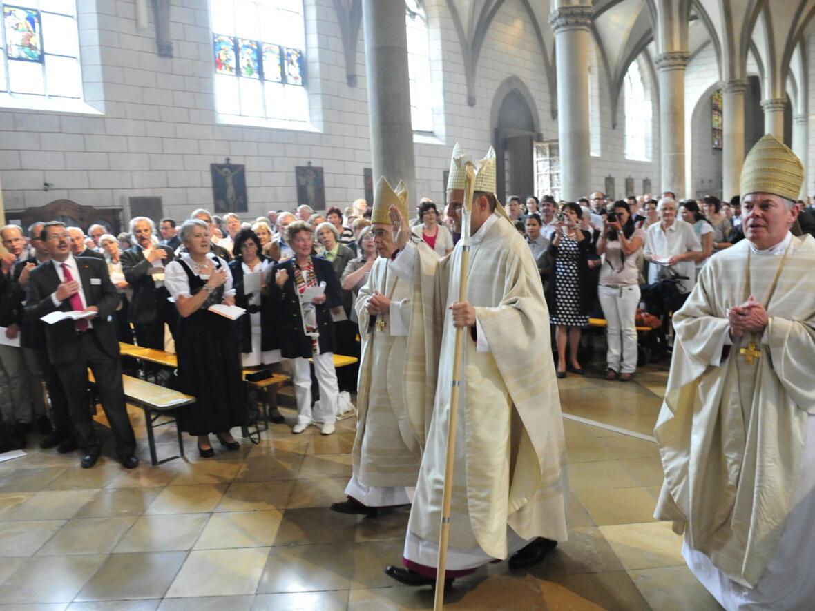 Bischofsweihe_20120728_09-23-49