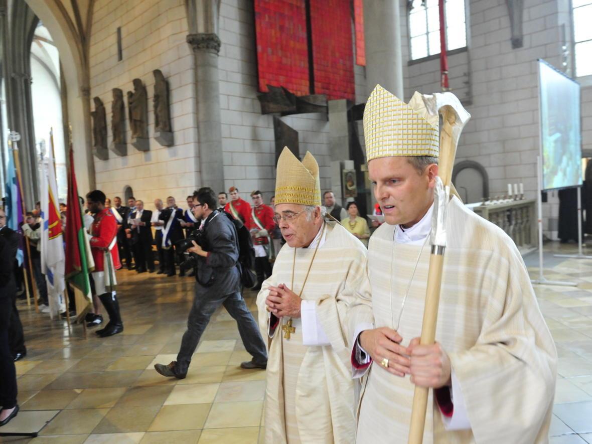 Bischofsweihe_20120728_09-24-06
