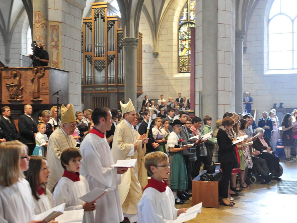 Bischofsweihe_20120728_09-25-25