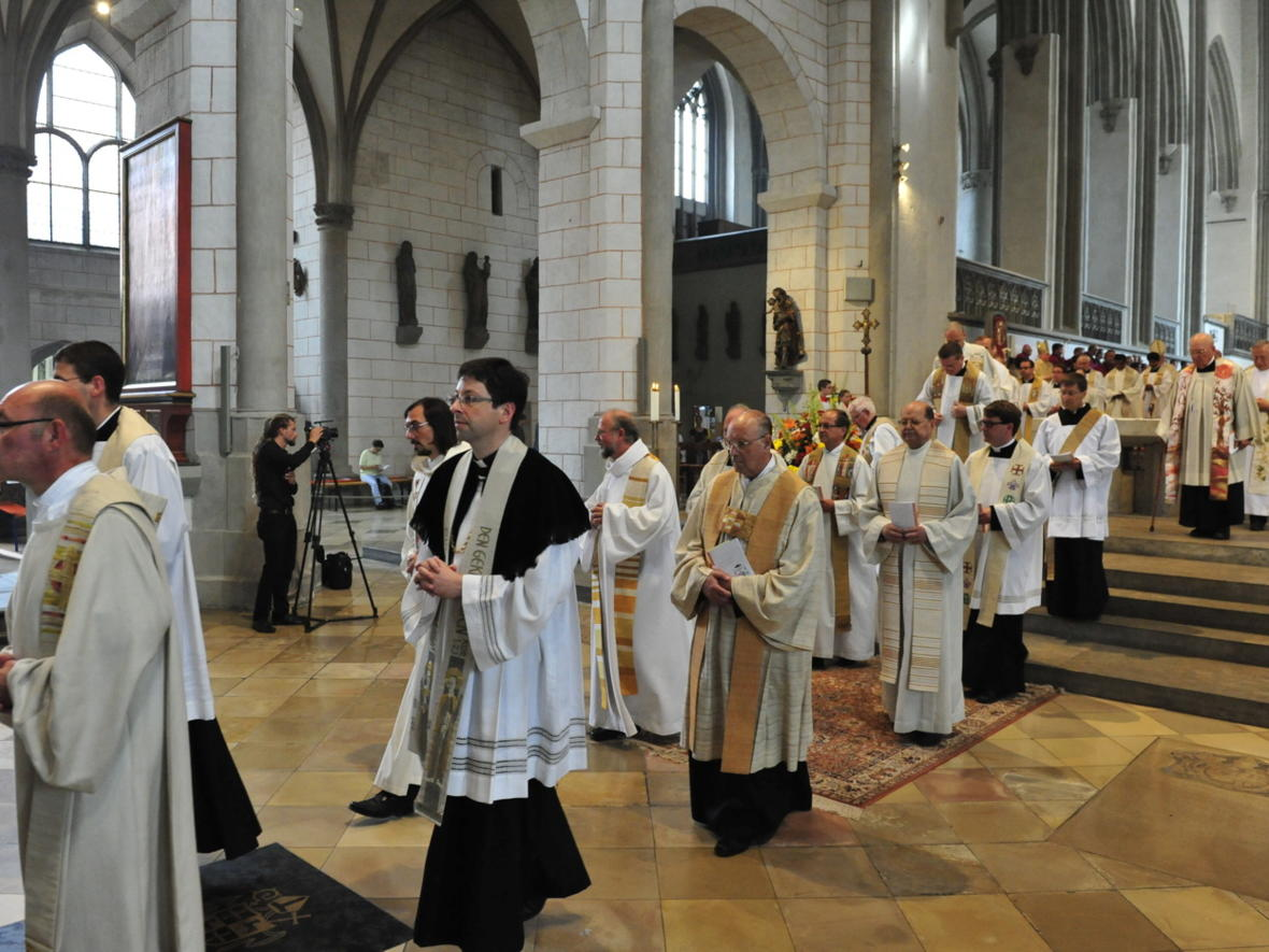 Bischofsweihe_20120728_09-44-04